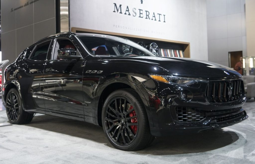 maserati levante e quattroporte a los angeles debutta il pacchetto nerissimo motori e auto. Black Bedroom Furniture Sets. Home Design Ideas