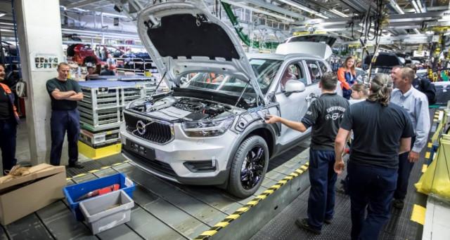 Volvo XC40: è ufficialmente iniziata la produzione del nuovo veicolo della casa automobilistica svedese nel suo stabilimento di Gand in Belgio
