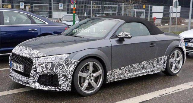 Audi TT RS: sul web sono apparse le foto spia del modello che presumibilmente arriverà nel 2020, ecco le principali differenze che dovrebbero caratterizzare il veicolo.