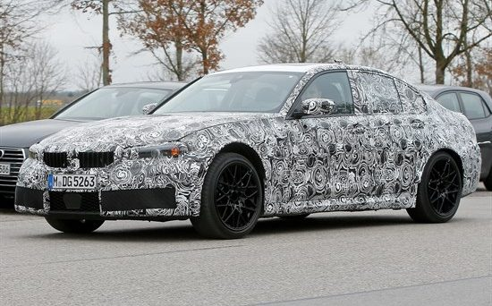 Bmw M3: La vettura è stata immortalata in alcune foto spia in versione muletto camuffato, il suo arrivo sul mercato dovrebbe avvenire nel 2020.