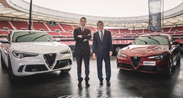 Alfa Romeo Stelvio e Giulia consegnate ufficialmente ai giocatori dell'Atletico Madrid nel corso di una cerimonia in cui erano presenti i dirigenti delle due società.