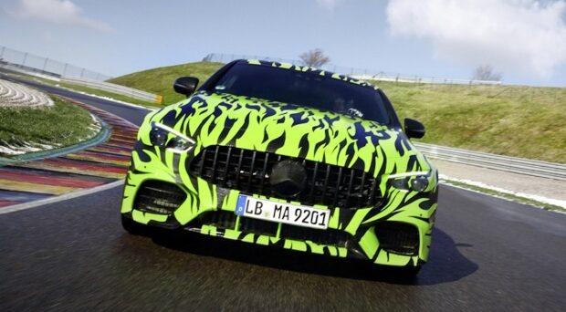 Mercedes-AMG GT coupè: nuove foto spia del veicolo che farà il suo debutto in occasione del Salone dell'auto di Ginevra 2018.