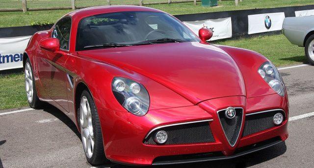 Alfa Romeo 8C: due esemplari saranno messi all'asta nel corso del prossimo mese di maggio a Monaco da RM Sotheby's.