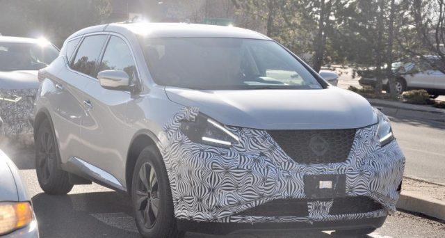 Nuova Nissan Murano: ecco le prime foto spia del prototipo camuffato del Suv di Nissan apparse sul web nelle scorse ore