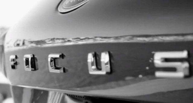 Nuova Ford Focus: la vettura della casa americana giunta alla sua quarta generazione farà il suo debutto il prossimo 10 aprile.
