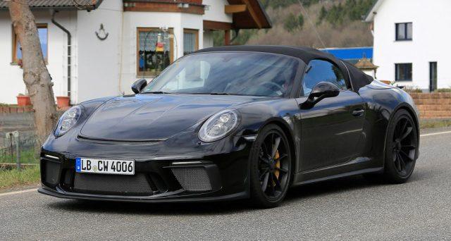 Nuova Porsche 911 Speedster: sul web nelle scorse ore sono apparse nuove foto spia di questa particolare versione della vettura.