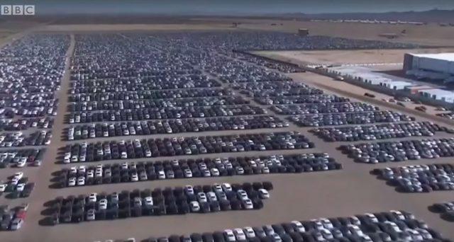 Volkswagen: ecco uno dei 37 cimiteri di automobili diesel che la casa automobilistica di Wolfsburg ha negli USA a causa del dieselgate.