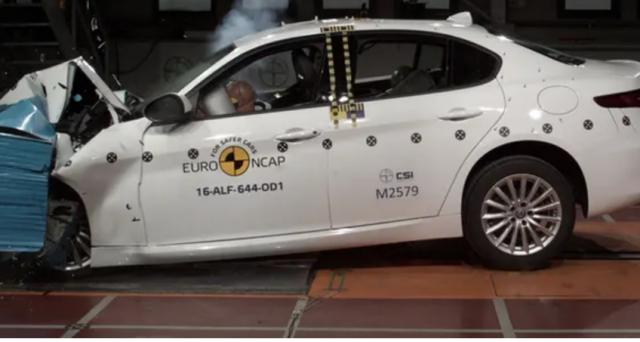 Alfa Romeo Stelvio e Giulia promosse anche in Australia dall'organizzazione che si occupa di testare la sicurezza dei veicoli nelle strade.