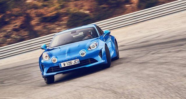 Alpine A110: ordini al di sopra delle previsioni per la nuova vettura sportiva del brand francese che fa parte del gruppo Renault.
