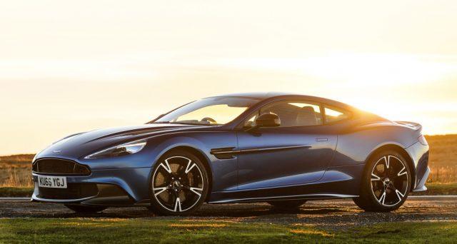 Aston Martin pare intenzionata a far rivivere il nome Vanquish per darlo ad una nuova super car pronta a sfidare Ferrari.