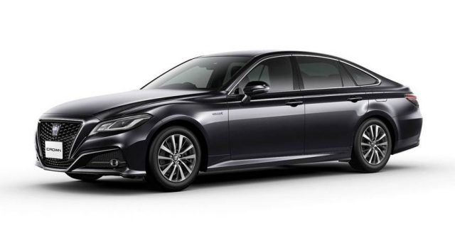 Toyota Crown: la quindicesima generazione è stata presentata in Giappone nei giorni scorsi.