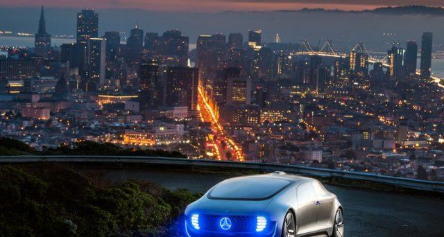 Mercedes ha intenzione di lanciare una flotta di taxi a guida autonoma in California a partire dal prossimo anno.