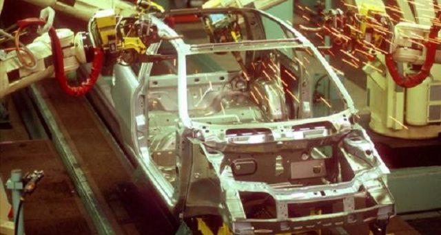 Fiat Punto: nei giorni scorsi prodotto l'ultimo esemplare a Melfi, i lavoratori hanno immortalato lo storico momento.