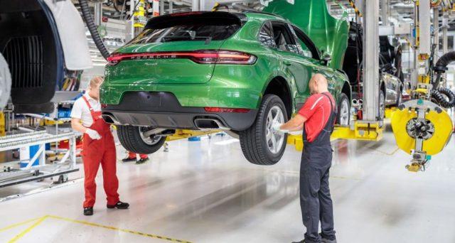 La casa tedesca investirà almeno 600 milioni di euro nella produzione della versione elettrica del suo famoso suv