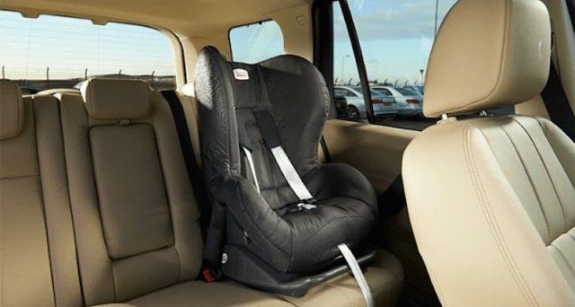 Seggiolini salva-bebè: approvata la legge al Senato la loro presenza in auto diventa un obbligo per il trasporto di bambini fino a 4 anni di età.