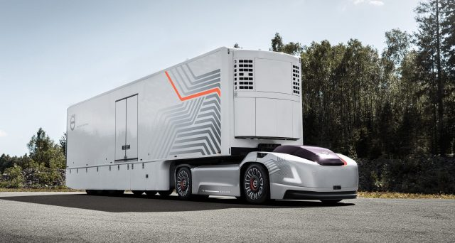 Volvo mostra un nuovo concept di un veicolo senza cabina pensato per il trasporto urbano.