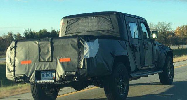 Jeep Scrambler dovrebbe essere presentato al Los Angeles Auto Show 2018 a fine anno, la produzione inizierà in primavera.