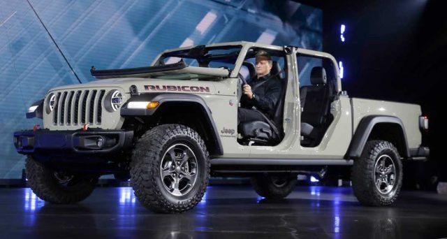 Jeep Gladiator: ecco le prime immagini del nuovo pick up che ha debuttato ieri al Los Angeles Auto Show 2018