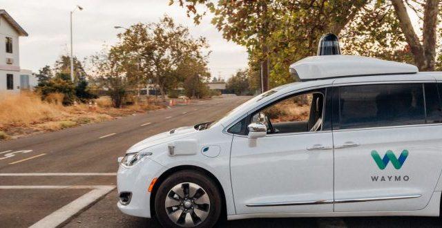 Alcuni abitanti della zona di Phoenix avrebbero attaccato le auto a guida autonoma con sassi, pistole e tubi in PVC