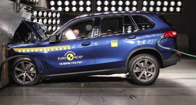 Bmw X5: 5 stelle nei crash test di Euro NCAP per il suv della celebre casa automobilistica di Monaco di Baviera