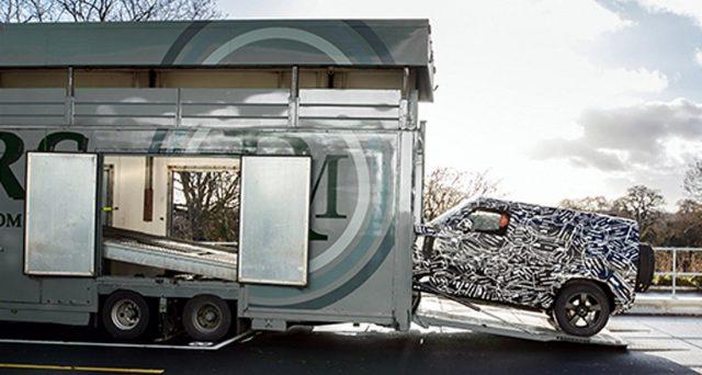 Prima immagine teaser della nuova Land Rover Defender che sarà svelata nel 2019