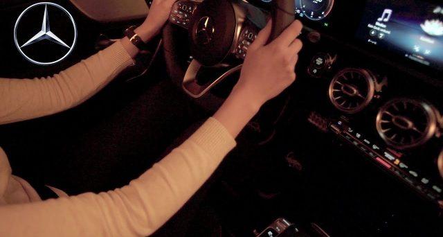 La prima immagine degli interni della nuova Mercedes CLA è stata diffusa nelle scorse ore dalla casa tedesca