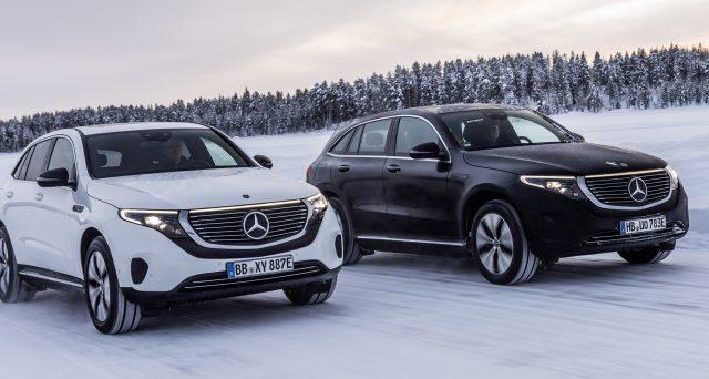 Daimler ha annunciato giovedì che prevede di costruire 50.000 auto elettriche Mercedes EQC quest'anno