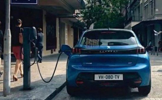Iniziata la produzione in Slovacchia, alla fine di marzo il primo modello della nuova elettrica è uscita dallo stabilimento Peugeot