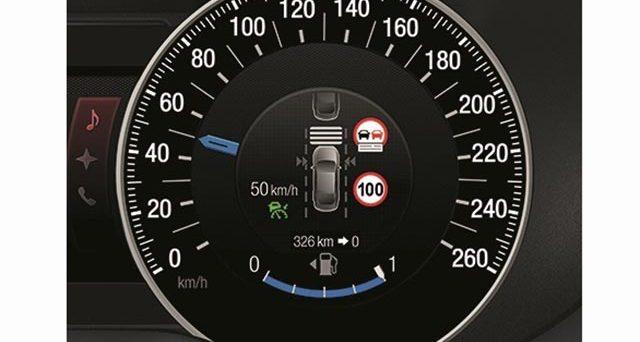 Un accordo provvisorio dell'UE potrebbe rendere obbligatori i limitatori di velocità attivi in tutte le auto di nuova progettazione dal 2022
