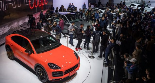 Al Salone dell'Auto di Shanghai del 2019 fa il suo debutto in pubblicao Porsche Cayenne Coupe