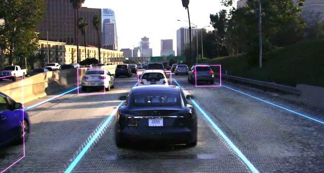 Elon Musk annuncia che il prossimo anno i robotaxi a guida autonoma della sua azienda saranno realtà in alcune città americane