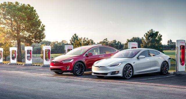 La casa automobilistica americana ha annunciato una serie di cambiamenti che miglioreranno l'autonomia di Model S e Model X