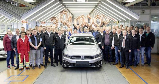 Volkswagen Passat festeggia il traguardo dei 30 milioni di auto prodotte dal suo lancio avvenuto 46 anni fa