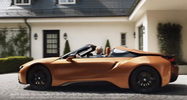 La casa bavarese ha deciso di omaggiare con un video ironico l'ex CEO di Daimler che ieri ha rassegnato le dimissioni dopo 13 anni