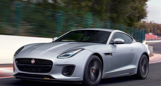 Jaguar F-Type: la vettura potrebbe venire profondamente modificata con l'obiettivo di rimanere ancora per diversi anni sul mercato