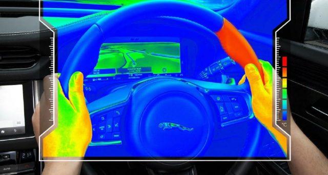 Jaguar Land Rover ha sviluppato un nuovo volante sensoriale che utilizza istruzioni basate sulla temperatura per informare gli automobilisti sulla guida