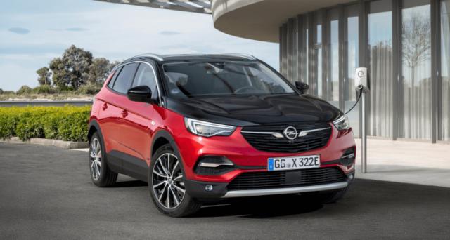 Opel Grandland X Hybrid4: a poche ore dal debutto della Corsa elettrica è il turno del primo PHEV della casa tedesca