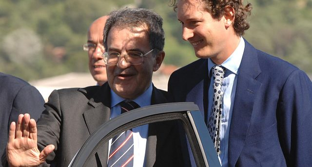 Il gruppo italo americano ha ricevuto dure critiche da Romano Prodi. L'ex Presidente del Consiglio non vede di buon occhi la cessione di Magneti Marelli