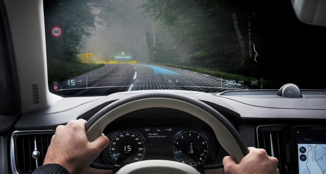 Volvo ha svelato la prima applicazione al mondo a realtà mista progettata per lo sviluppo dell'auto
