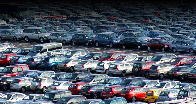 Il mercato auto europeo probabilmente si contrarrà quest'anno, ha dichiarato l'associazione dell'industria automobilistica europea ACEA