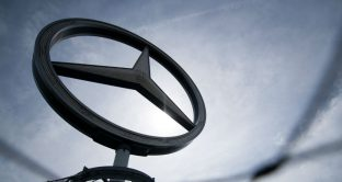 Mercedes ha tagliato le prospettive sugli utili per il 2019