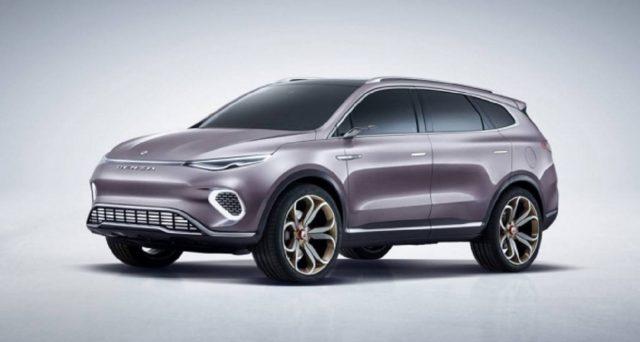 Denza Concept X è il nuovo suv di Daimler e BYD che nel 2020 verrà prodotto in due diverse versioni: ibrida plug in ed elettrica