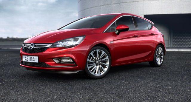 La prossima generazione di Opel Astra sarà prodotta anche in versione PHEV