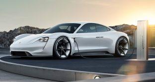 Porsche 911 GTS Coupe: possibile foto spia