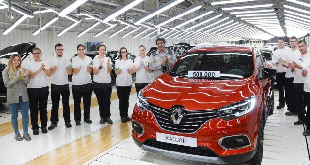 Renault Kadjar: il celebre modello della casa francese raggiunge quota 500 mila unità prodotte in appena 4 anni dal suo debutto