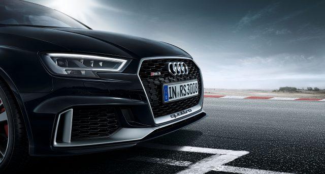 Ben 25 anni fa, il primo modello Audi RS fu lanciato sul mercato sotto forma di RS 2 Avant, segnando l'inizio di una storia di successo