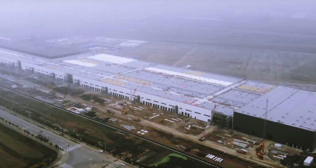 Procedono spediti i lavori nella Tesla Gigafactory 3 in Cina, entro fine anno partirà la produzione di Model 3