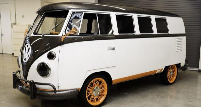Volkswagen ha presentato una versione elettrica del suo iconico microbus Type 2