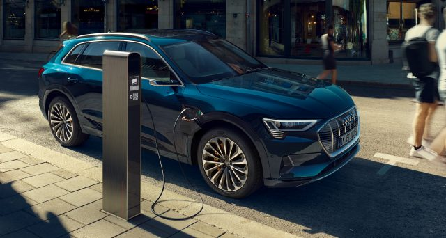 L'IIHS ha conferito al crossover elettrico Audi e-tron il massimo riconoscimento per le sue prestazioni in caso di crash