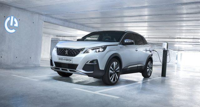 Peugeot ha appena presentato il nuovo Plug-in-Hybrid 3008 GT Hybrid4, che potrà essere ordinato in Francia e in Germania da ottobre in poi